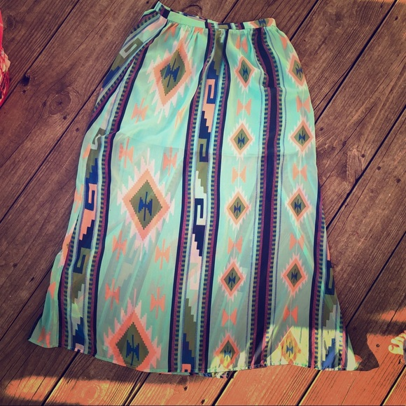 Skies Are Blue Dresses & Skirts - Boutique maxi skirt with mini lining